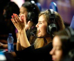 Женские команды по Counter-Strike подрались после турнира