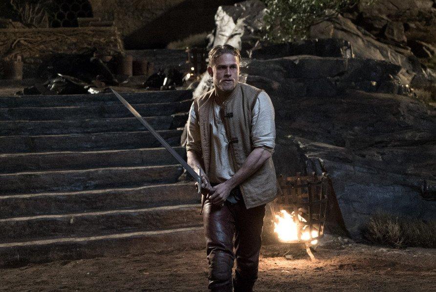 Фильм Гая Ричи «Меч короля Артура» разочаровал критиков