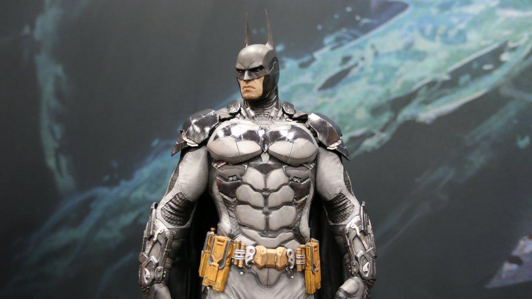 Костюмы, гаджеты и фигурки Бэтмена на Comic-Con 2015 - Изображение 38