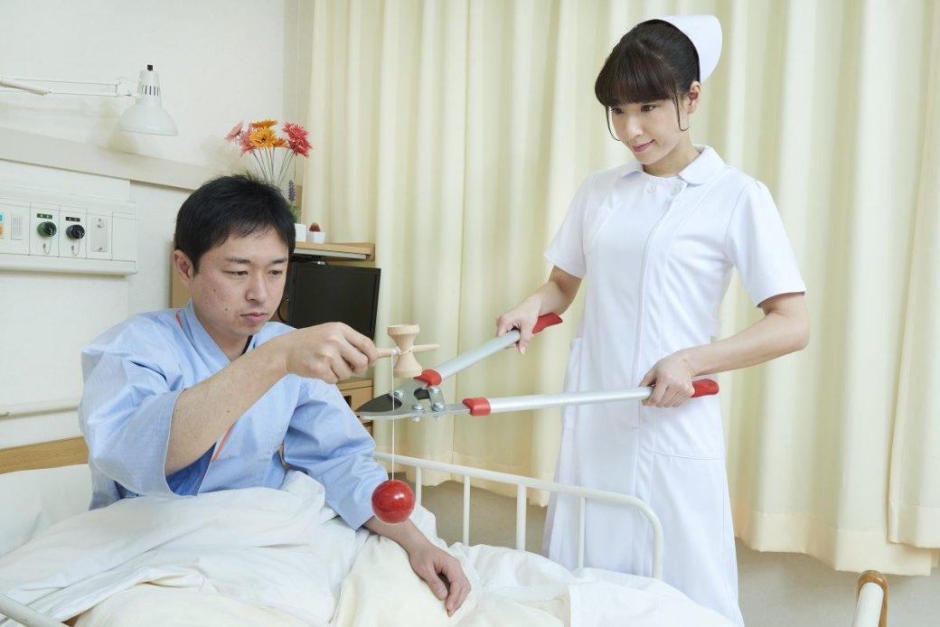 Японская медсестра делает странные вещи нафото - Изображение 3