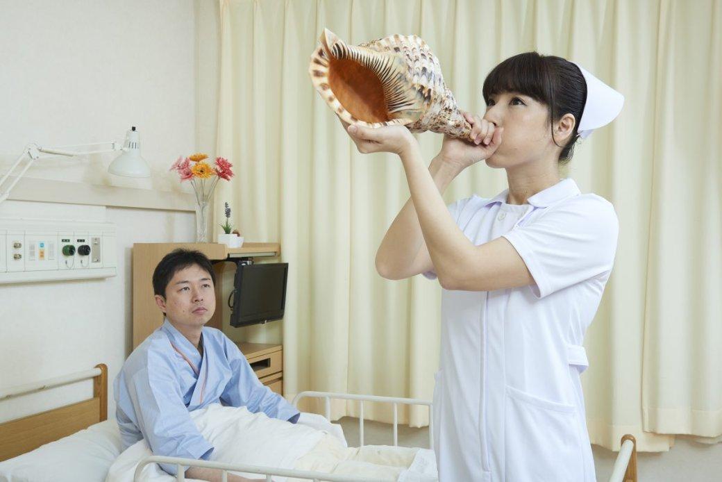 Японская медсестра делает странные вещи нафото - Изображение 8