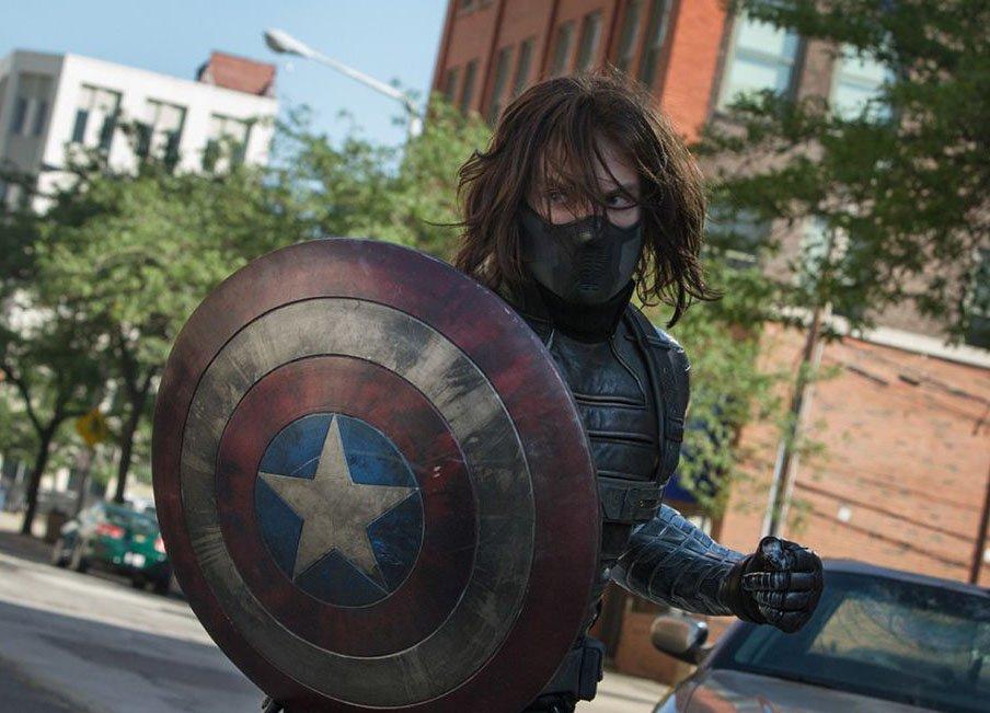 Зимний Солдат присвоил себе щит Капитана Америки. - Изображение 1