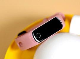 Новый фитнес-браслет Honor Band 5i заряжается сразу отпорта USB