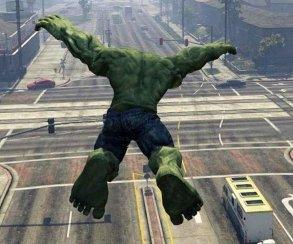 Халк стал преступником: вышла новая версия мода, добавляющего в GTA V зеленого гиганта