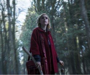 Новости 13августа одной строкой: новая «ведьмочка Сабрина», трейлер боевика «22 мили» сУолбергом