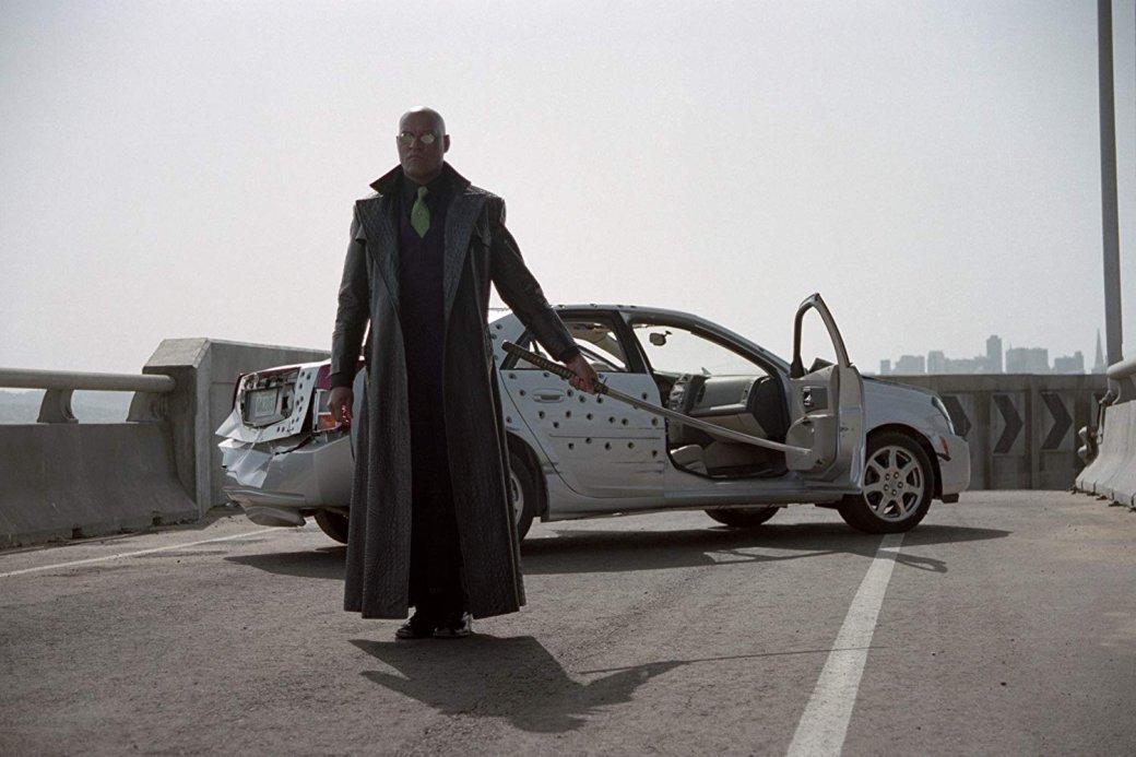 Давайте разрушим Матрицу? Ноона такая красивая… Хорошо, нопотом— разрушим! Непостижимая трилогия The Matrix, переполненная пасхалками, перекрестными отсылками ивложенными смыслами, стала нетолько гимном киберпанку ипереворотом вмировом кинематографе. «Матрица» обеспечила еще инесколько лет безбедного существования одному измировых автомобильных брендов, хотя Вачовски, конечно, этой цели непреследовали.