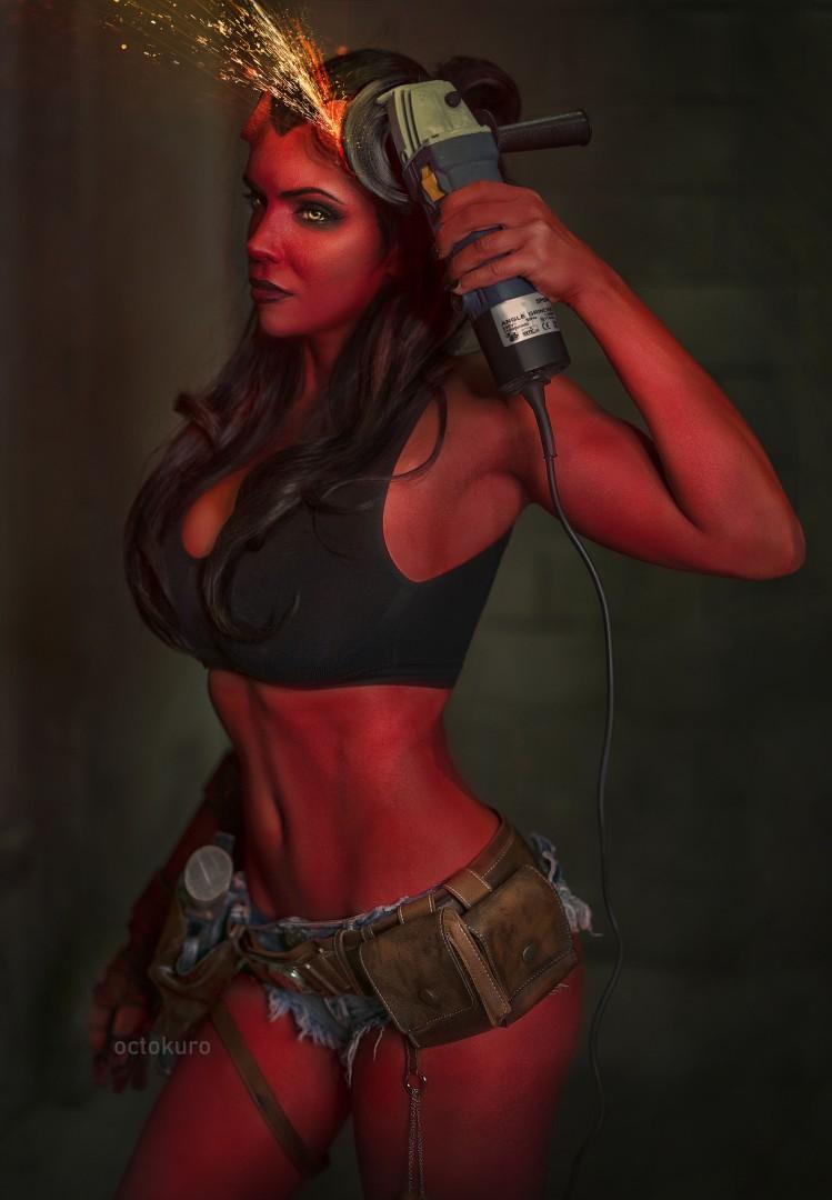 Королева ада: NSFW-косплей женской версии Хеллбоя от Octokuro  | Канобу - Изображение 1