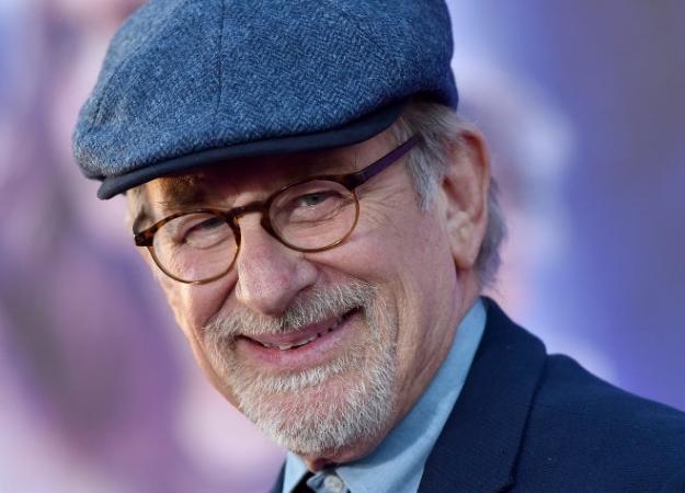 Стивен Спилберг спродюсирует фильм повселенной DCпро Черного ястреба. - Изображение 1
