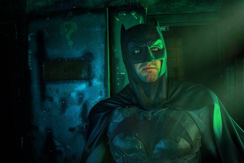 Бэтмен спасает Женщину-кошку из плена Загадочника в новом косплее | Канобу - Изображение 1
