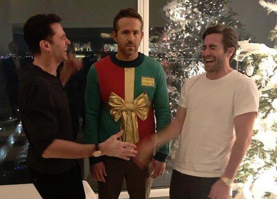 Райан Рейнольдс надел дурацкий свитер истал героем шуток | Канобу - Изображение 11513