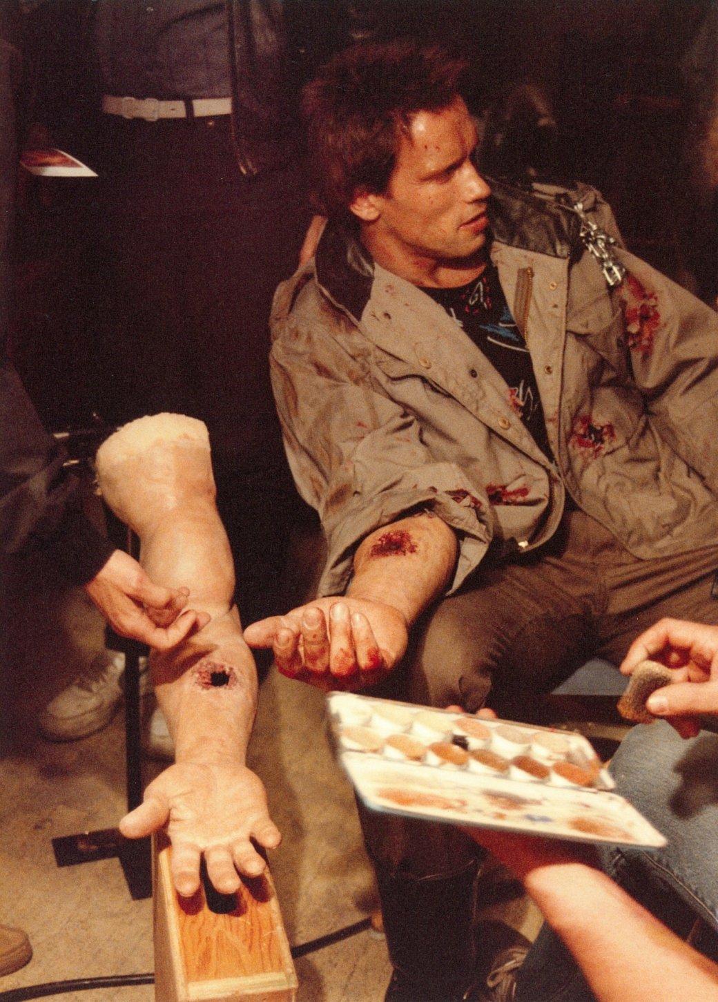 Арнольд Шварценеггер вчесть 35-летия «Терминатора» поделился старыми фото со съемок | Канобу - Изображение 0