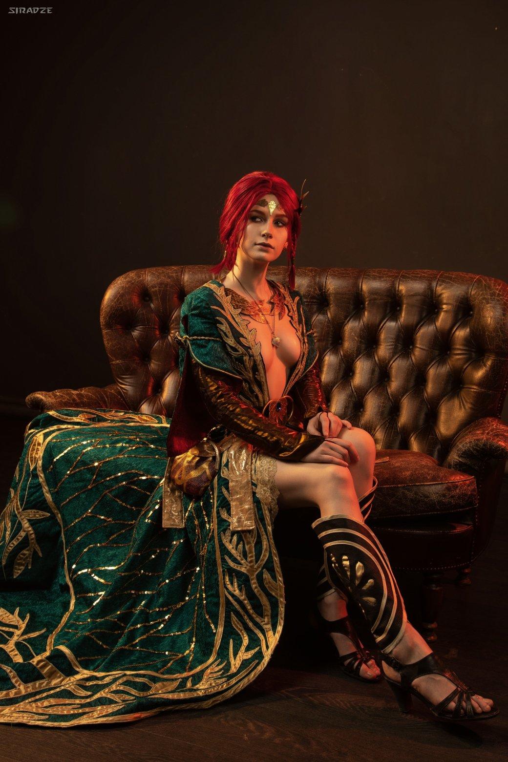 Отличный косплей чародейки Трисс Меригольд из«Ведьмака»