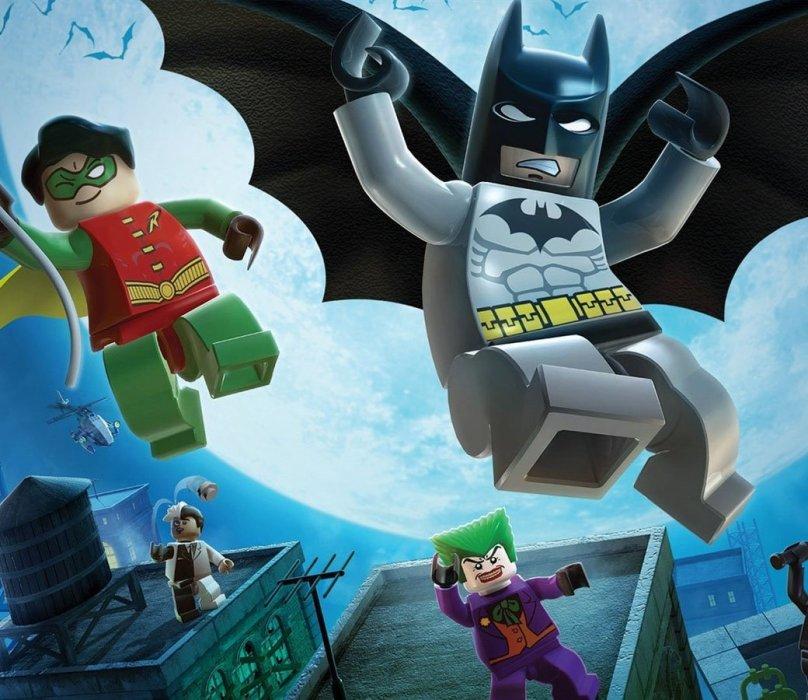 Давайте обойдемся без лишних слов. LEGO Batman 2: DC Super Heroes любить можно хотя бы за то, что она претворяет в жизнь розовую мечту любого, кто будучи ребенком заворачивался в одеяло и представлял себя сумрачным рыцарем вселенной DC. Пожалуйста, забудьте о возрасте, социальном статусе, количестве высших образований и оцените момент.